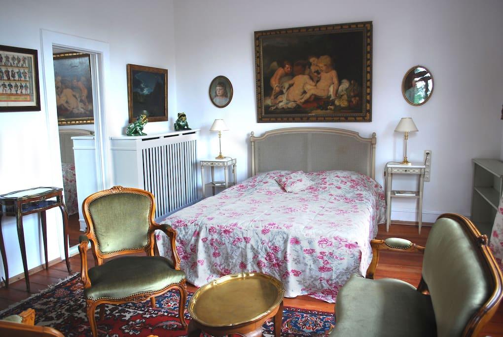 Zimmer 5 war bis 2010 das Schlafzimmer der gräflichen Familie