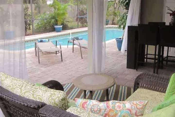 Central Sarasota Perfect for Business Travellers