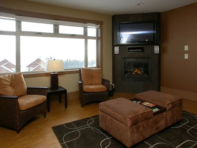 Luxury ski condo with great views - Kelowna - Appartement