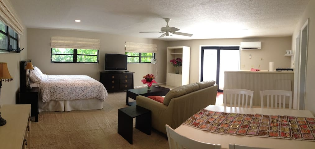 Studio/Falls area, special offer!! - Miami - Daire