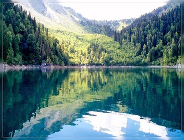 Коттедж на берегу озера - Uvildy - House