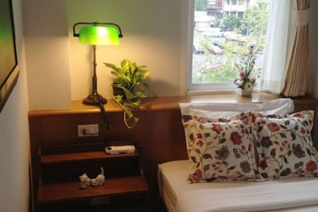 Private Single Room 2 - Bangkok