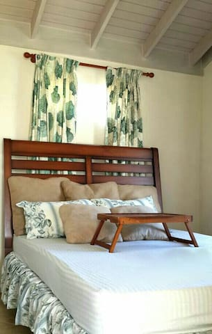 Cosy Ensuite Bedroom in shared home - Bridgetown - Casa