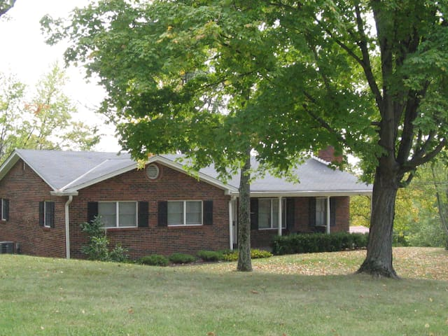 Cozy 3Bdrm, 2Bath Home - East Cincinnati - Cincinnati - Hus