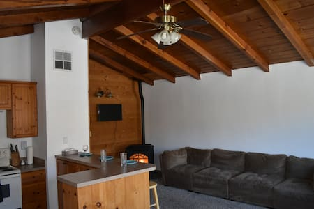 Apartment in Kernville with Coworking and a view!