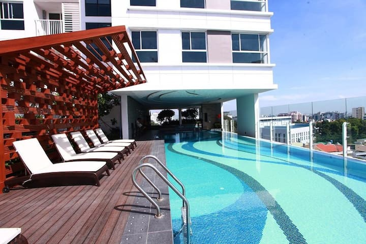 5 star studio - Pool & Gym - 5 min to airport