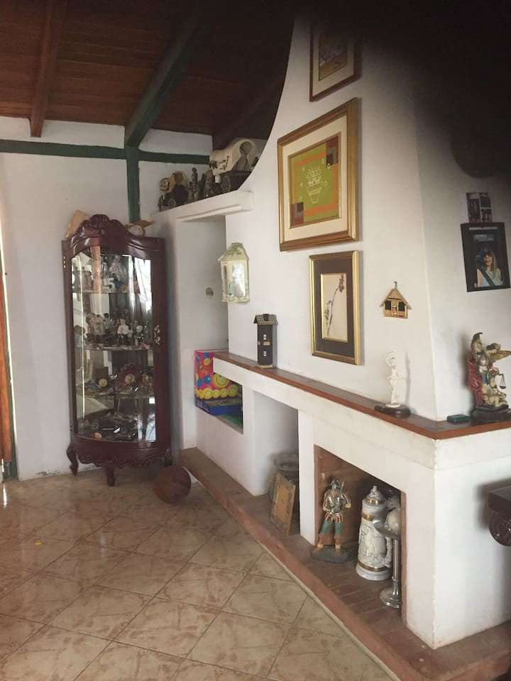 Amplia Casa Confortable