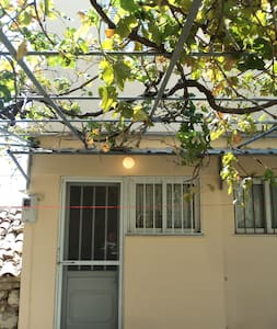 Διόροφο σπίτι Κορνός - Kornos