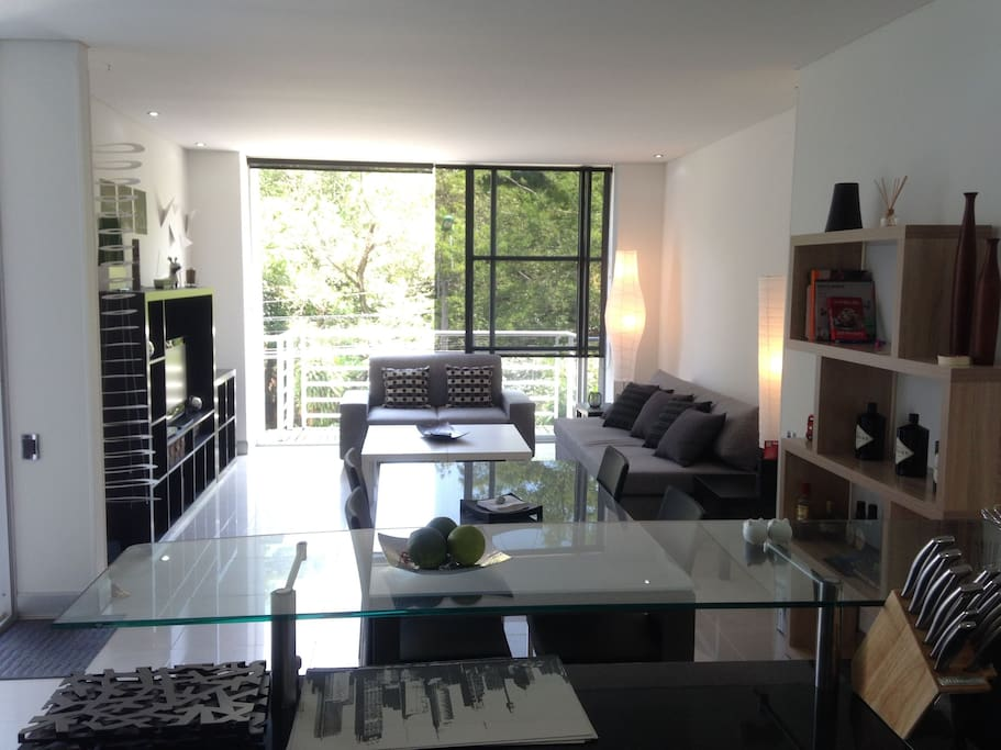 Modern exclusive ciudad jardin apartments for rent in for Bares ciudad jardin cali