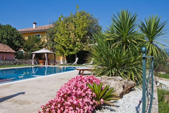 "B&B Colle Visconti -Appartamento ""Il Melograno"" - Fontechiari - Bed & Breakfast"