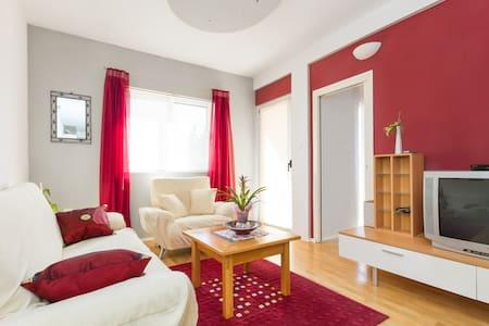 Apartment Jelica - nice place close to everywere - Kaštel Štafilić