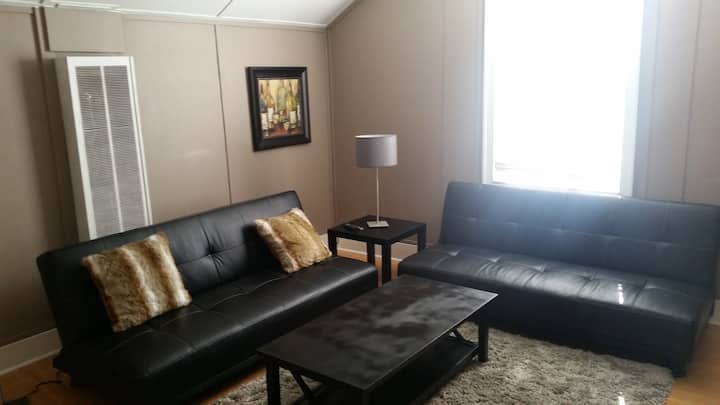 PROFESSIONALLY CLEANED EXEC 1BR QUIET AREA WIFI