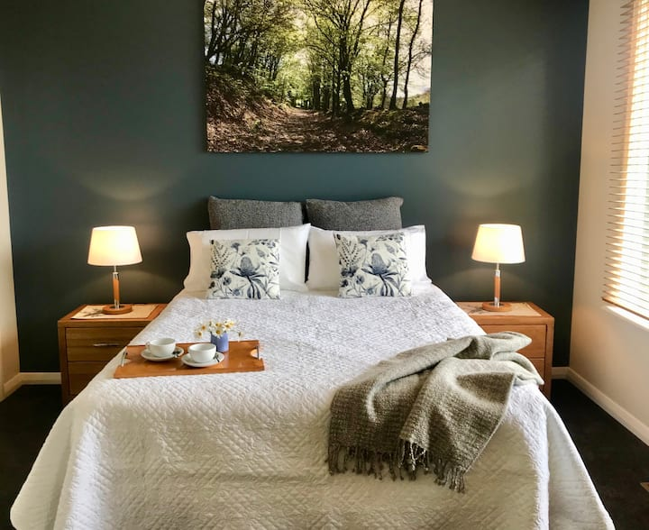 Belle Voir  in Central  Daylesford - Views and Spa