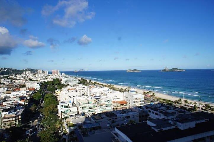 Semana Santa em Apê decorado na Praia da Barra