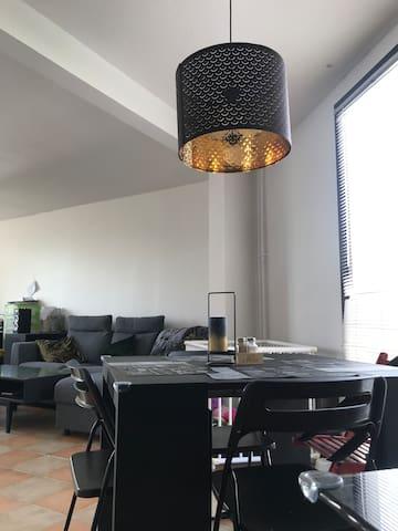 Appartement lumineux proche de Paris, Stade