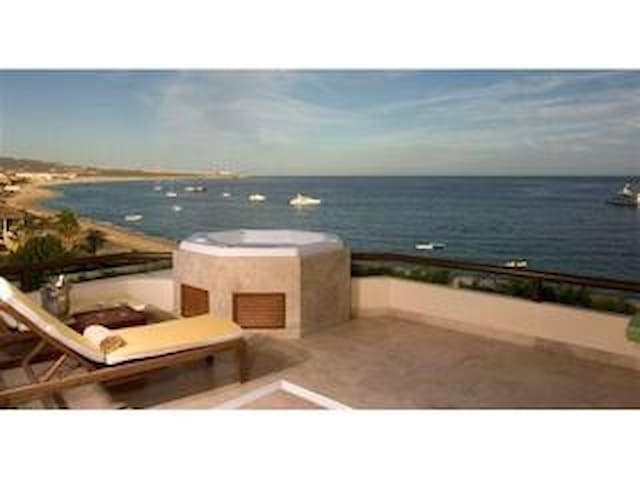 2 Bedroom with Jacuzzi OCEAN FRONT GUARANTEE