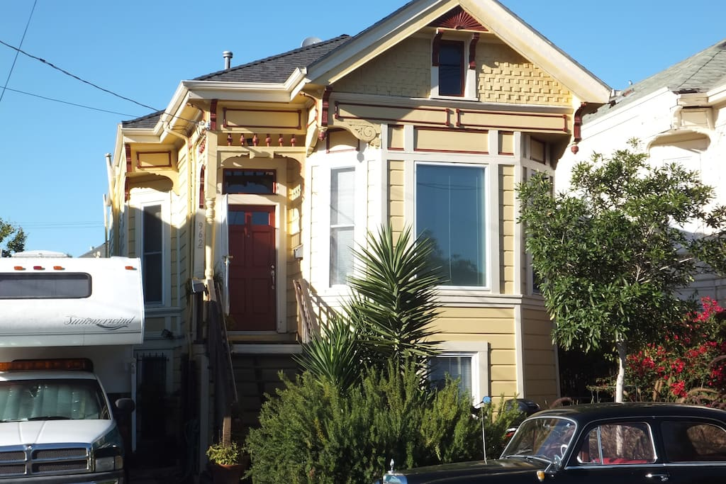 Quaint And Classic Victorian House Houses For Rent In Oakland California United States