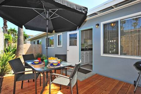 Turtle's Retreat, just 2 blocks from the beach - Del Mar - House