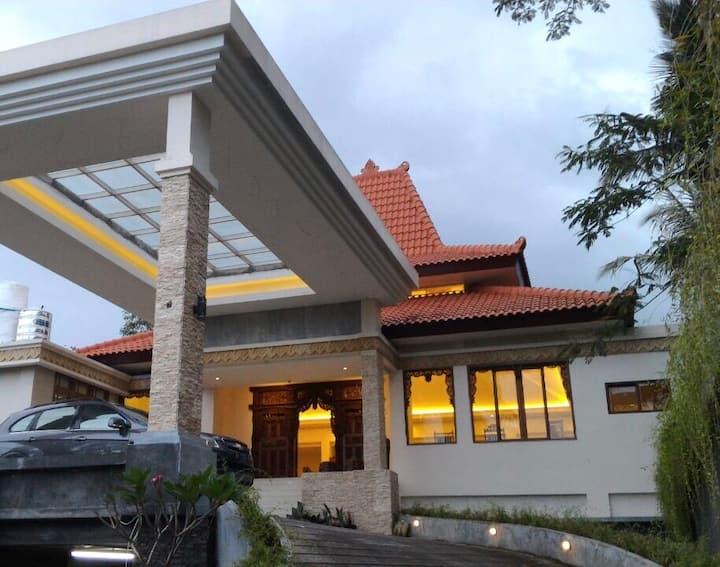 Exclusive villa&SPA 9Rooms+Breakfast +Pool