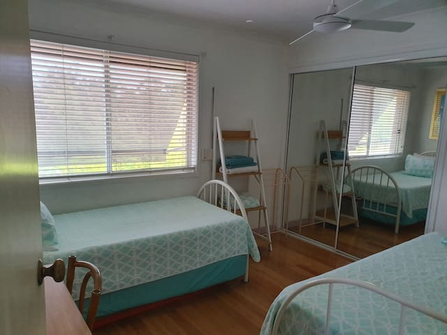 Parkview and single bed room