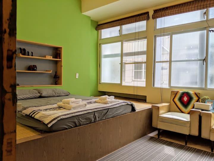 LMH+ Cozy Room for 1-4 person /LGBTQ &Pet Friendly