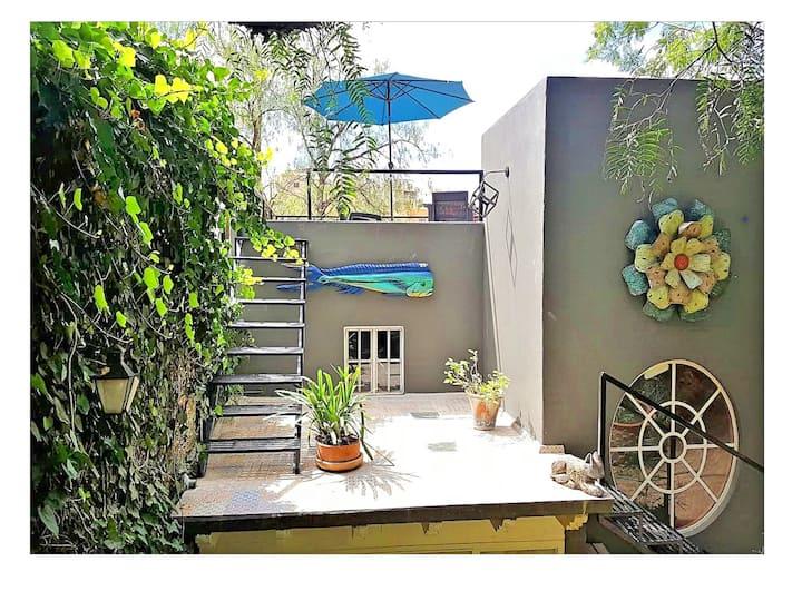 A Garden Oasis!  Casita w/ a 10 Min Walk To Centro