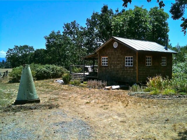 Private Cabin on Seasonal Creek - Gold Hill - Hytte