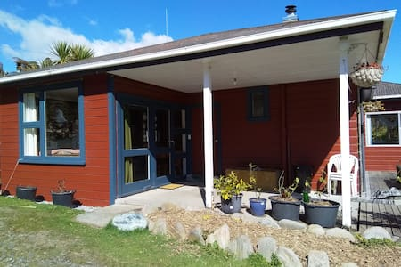 Pukekura Lodge Holiday Home