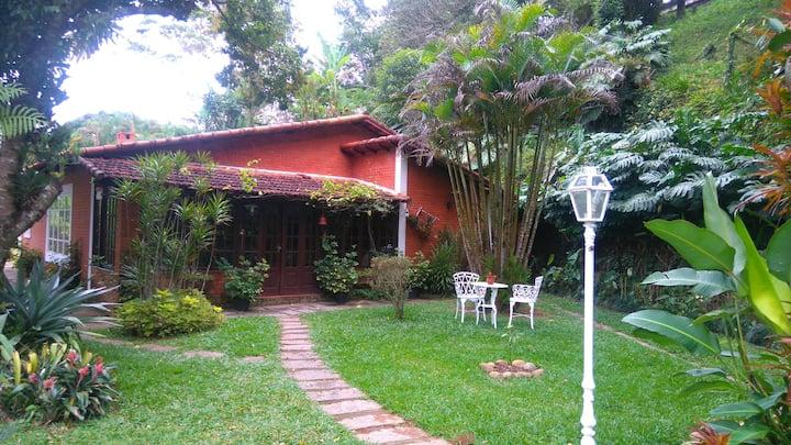 Casa Itaipava - Aconchegante 2,5km centro itaipava
