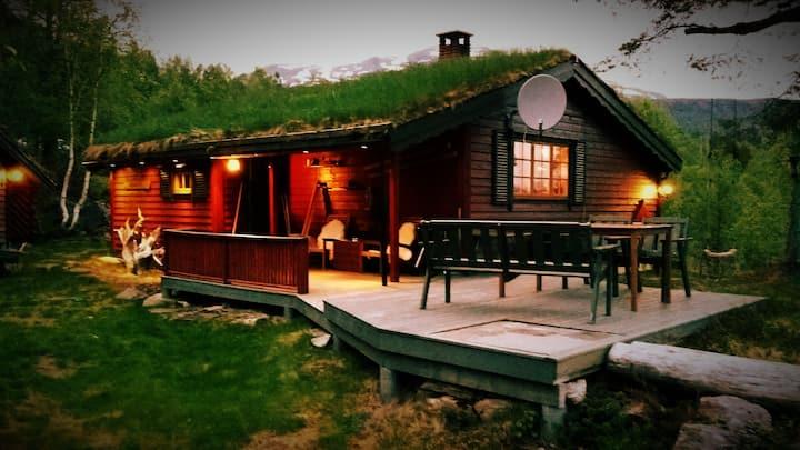 Cosy cabin in the alps of Sunnmøre