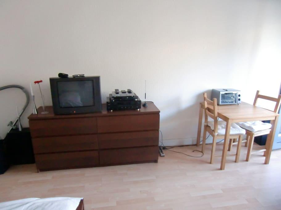 30 qm balkon wohnung nahe altstadt wohnungen zur miete in d sseldorf nordrhein westfalen. Black Bedroom Furniture Sets. Home Design Ideas