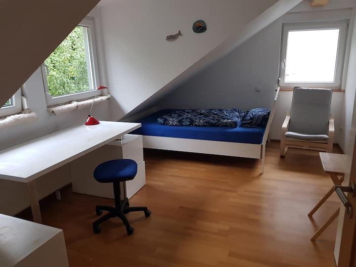 Stuttgart Mitte, sehr ruhiges Zimmer Stuttga