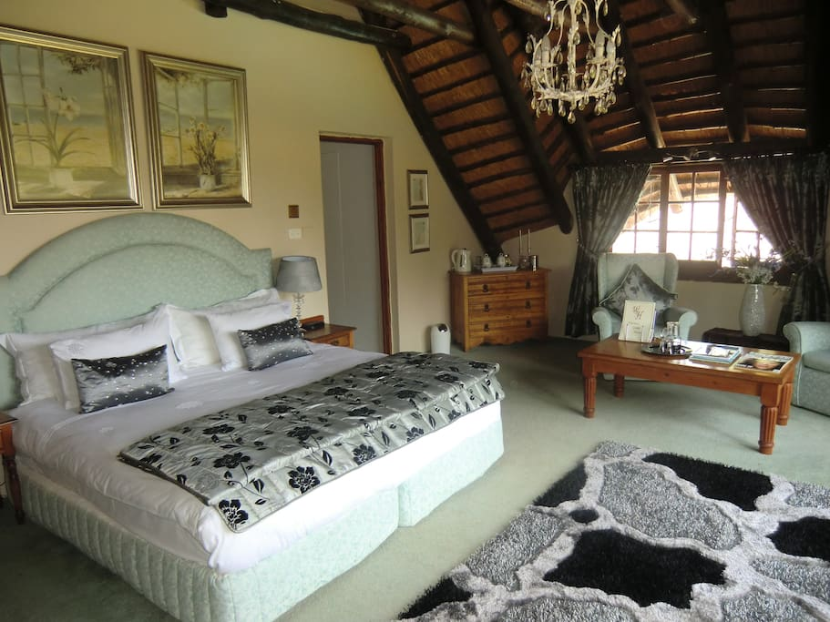 Glassford Suite - ideal for honeymooners and romantic couples.