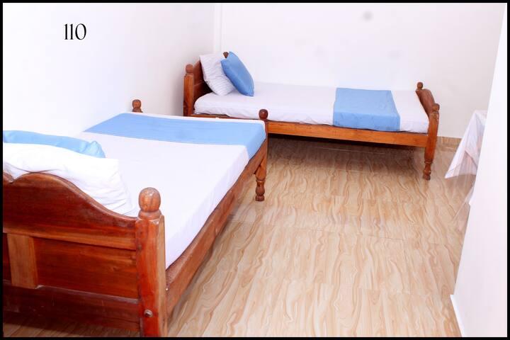 Deluxe Room in Jaffna for 3 pax