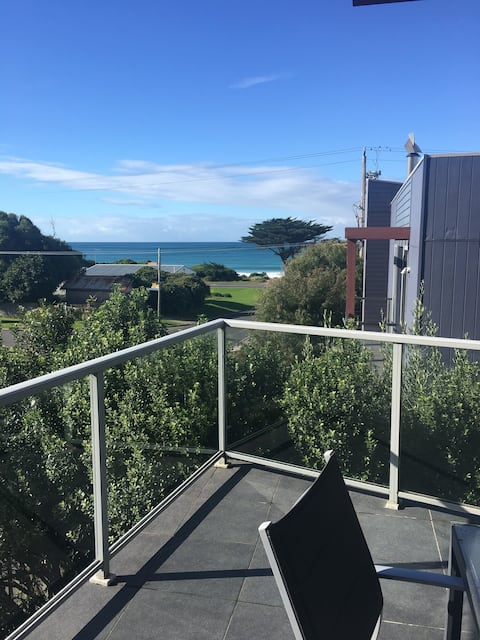 Apollo Bay Beach Pad- sparkling clean