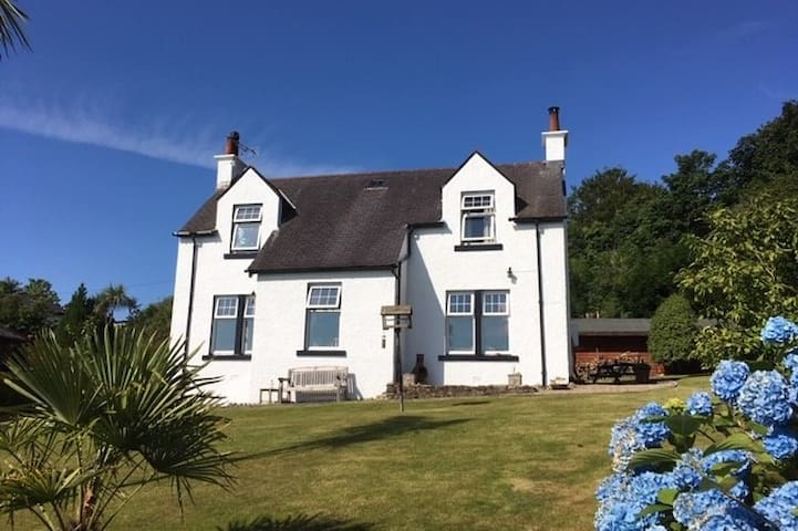 Mount Royal House- peaceful /  stunning sea views