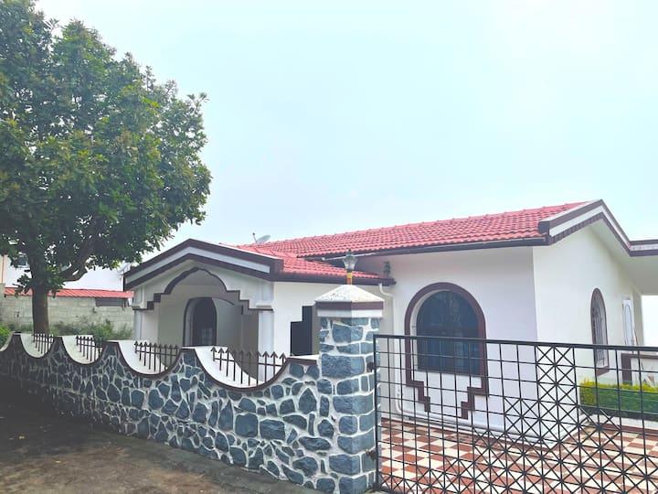 British House in kodaikanal (friends group/family)