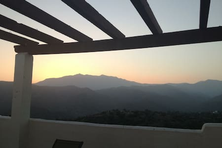 Superb mountain home with sea views - Istán - Appartement