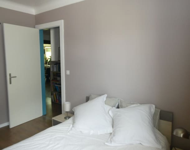 Chambre privée  dans grand appartement