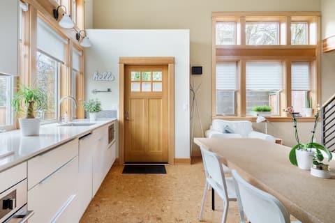 Visit Award-Winning Restaurants from an Eco-Friendly House