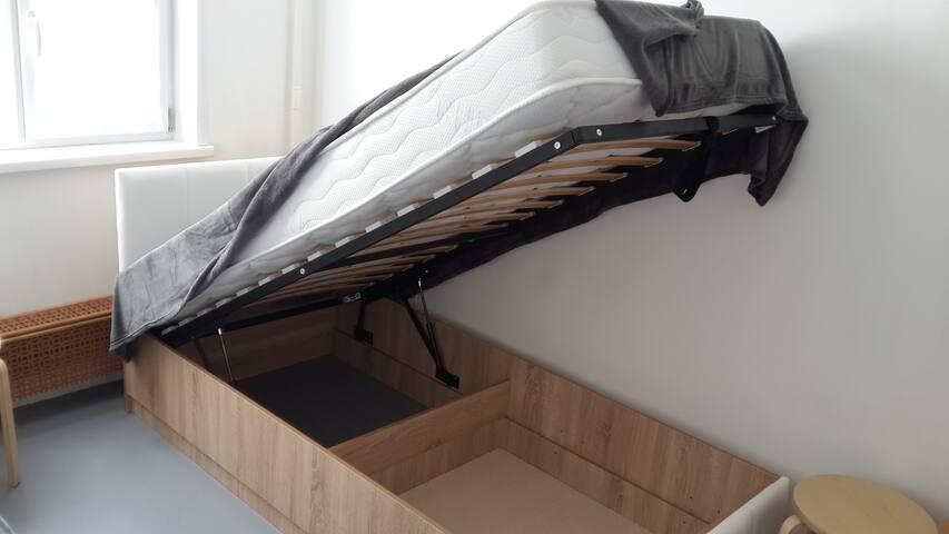 Все кровати с легко поднимающимся механизмом, с большими местами хранения, с новыми ортопедическими матрасами