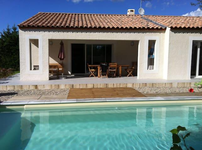 Villa neuve avec piscine au sel - Sainte-Croix-de-Quintillargues - Casa de campo