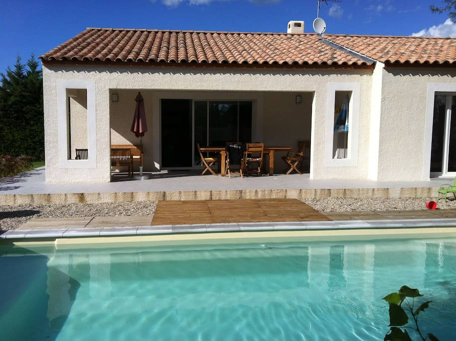 villa neuve avec piscine au sel villas for rent in sainte croix de quintillargues languedoc. Black Bedroom Furniture Sets. Home Design Ideas
