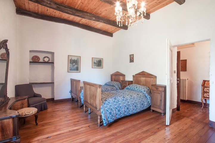 Large second bedroom with 2 single beds