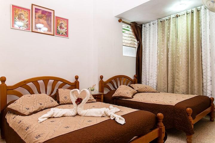 Habitación Deluxe con baño privado, Hostal Yakelyn