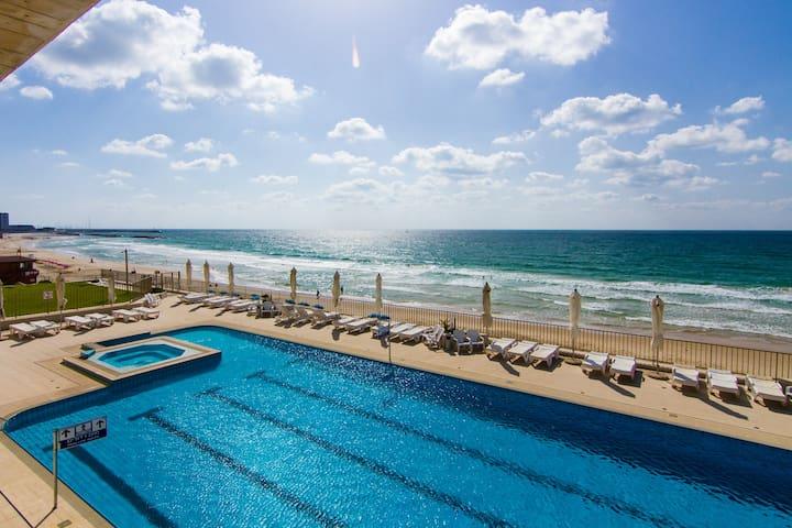 Mediterranean beachfront studio apt - Herzliyya - Daire