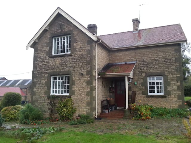 Family Home - Masham - House