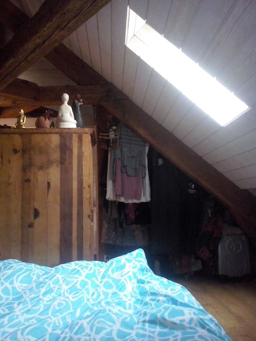 60m2 vue sur toits nantes centre lofts louer for Chambre 60m2