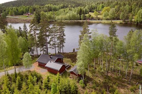 Útulná chata u jezera Aremark se saunou