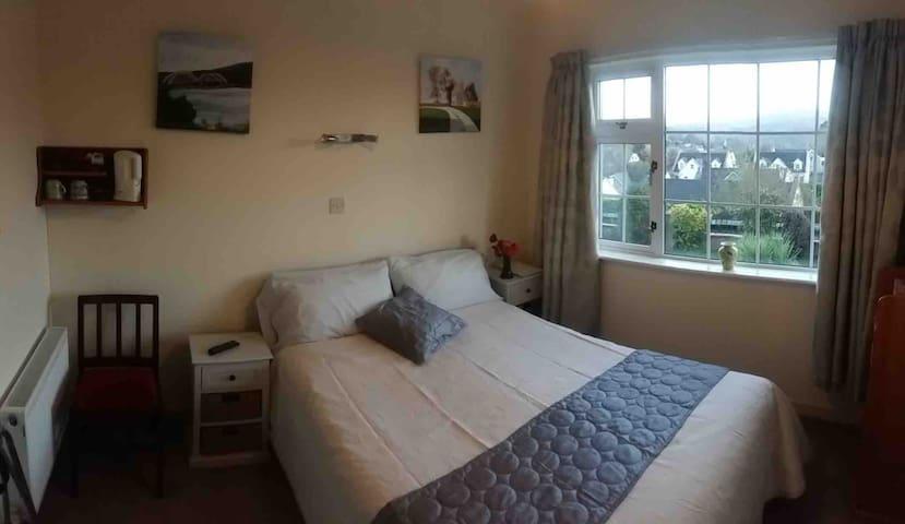 Melrose guest room 1